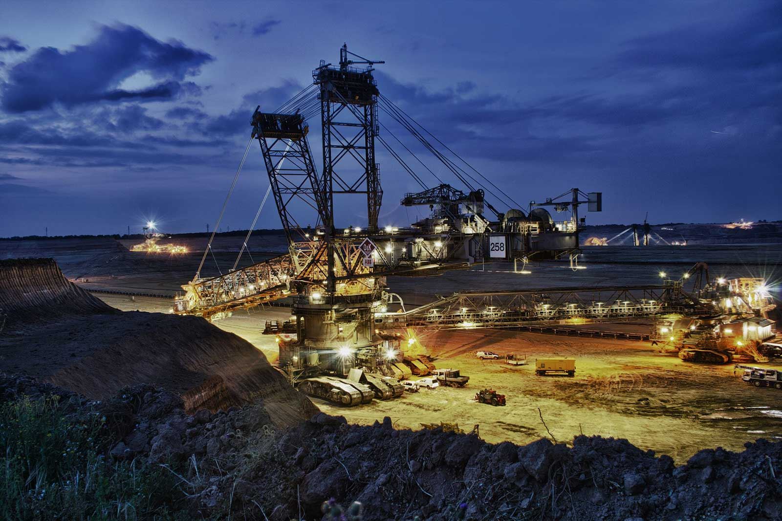 natural resources and mining consulting services